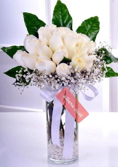 Saf beyaz güzellik 20 beyaz gül arajmaný