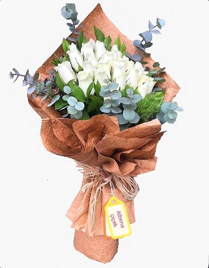 Masum güzellik 21 beyaz gül çiçek buketi