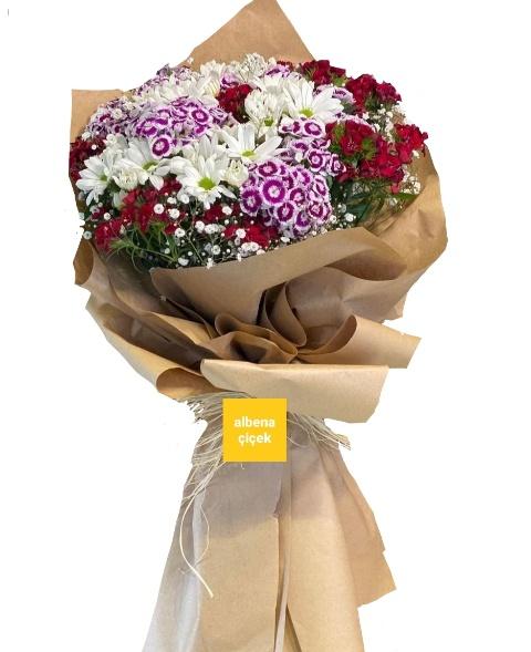 Renkli hüsnüyusuf papatya mevsim çiçek buket