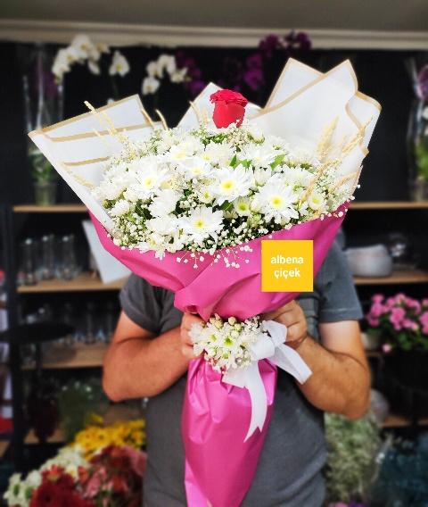 Papatya gül çiçek buketi
