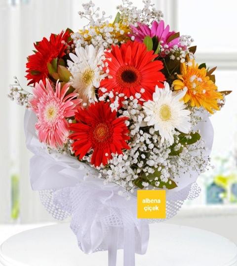 Renkli düþler gerbera çiçek buketi