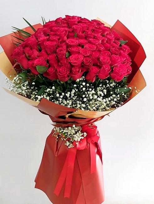 seni seviyorum 100 gül buketi çiçegi